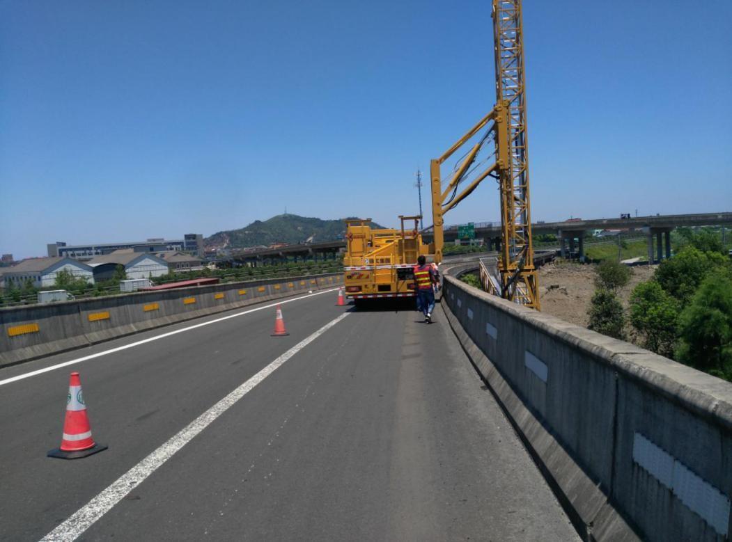 河南省高速公路收费还贷中心南阳管理处2017年-2018年度高速公路技术状况检测项目