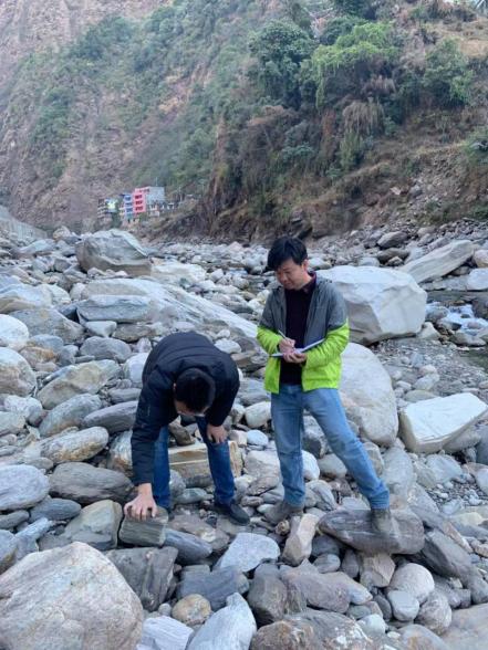 公司成功中标援尼泊尔阿尼哥公路三期保通项目